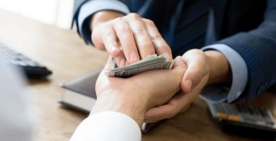 Oración para salir de deudas